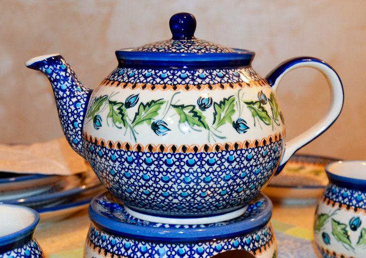 Коллекция Бутоны. Чайник 1L. #посударучнойработы #керамикаручнойработы #посуда #ceramics #pottery #polishpottery  ceramic tableware   pottery   polish pottery   boleslawiec   посуда   керамическая посуда   польская керамика    польская посуда   болеславская керамика   керамика   kettle   чайник