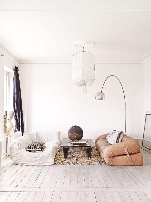 Wohnraum, Wohnzimmer, Wohnen, Dinge, Zuhause, Schwedisch Home, Ledersofas,  Vintage Leder Sofa, Stylisten