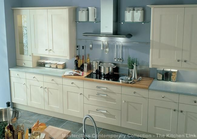 Kitchen lancaster white shaker on shaker style kitchens for F kitchen lancaster