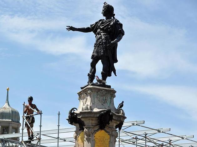 Denkmal des Stadtgründers Kaiser Augustus in Augsburg.