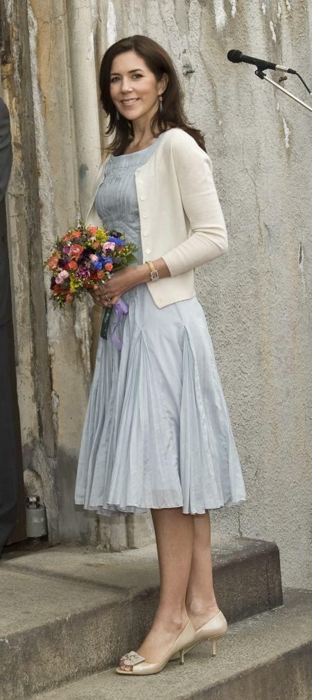 19 FLOTTE BILLEDER: Kronprinsesse Marys smukke cardiganer | BILLED-BLADET
