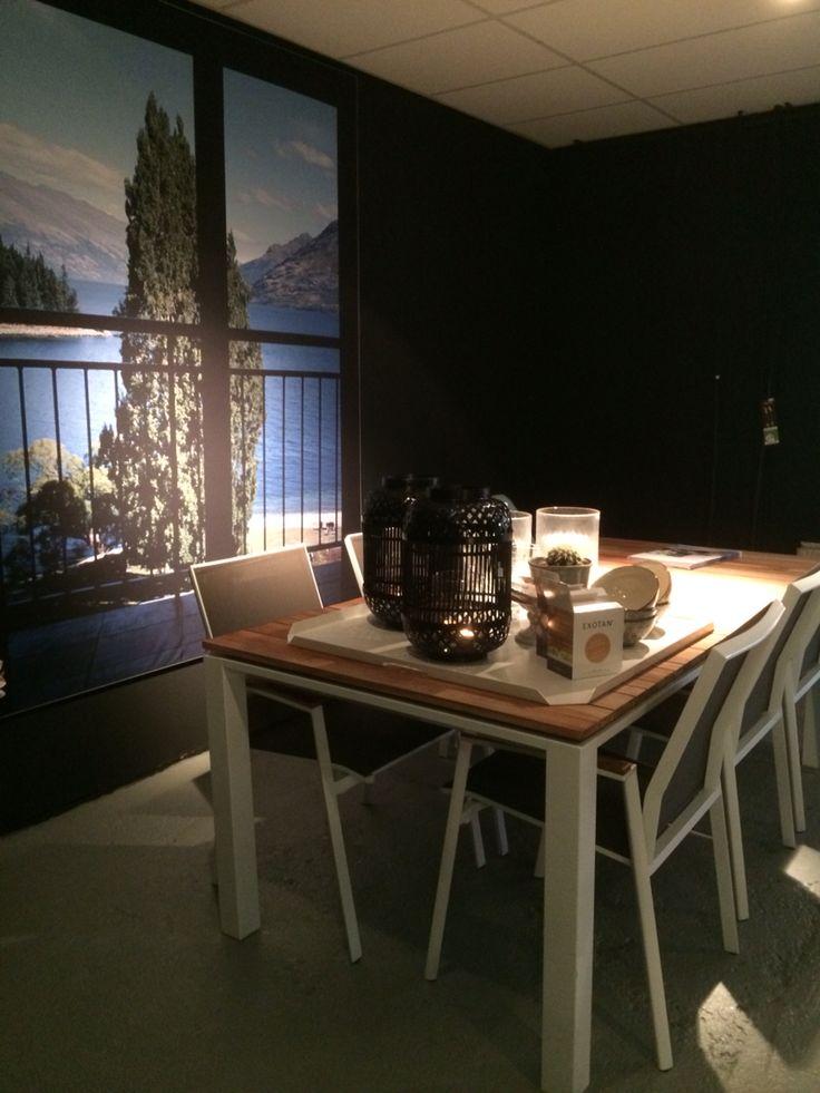 Eethoek voor buiten, tafel meerdere maten mogelijk en stoelen zijn stapelbaar