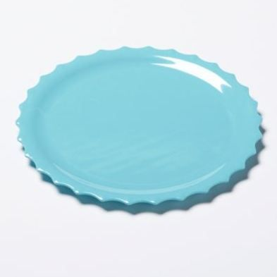 Modern and solid coloured melamine dinner plates will make any meal stand out!