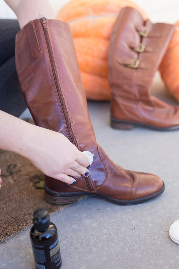 Give your dull leather boots a pick-me-up with this DIY Leather Cleaner with Fractionated Coconut Oil and Lemon essential oil. They will look like new again!