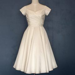 Audrey Lynn Vintage Bridal Nancy Dress | 1950's style taffeta tea length wedding dress with V neckline and sleeves