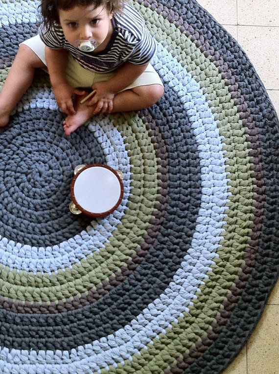 Knitting Pattern For Round Rug : 25+ best ideas about Knit rug on Pinterest Crochet carpet, Knitted rug and ...