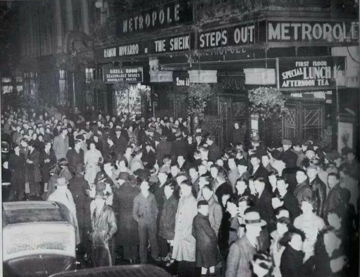A night out in the Metropole, Dublin 1937