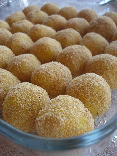 Kaşarlı patates Topları by usitki, via Flickr
