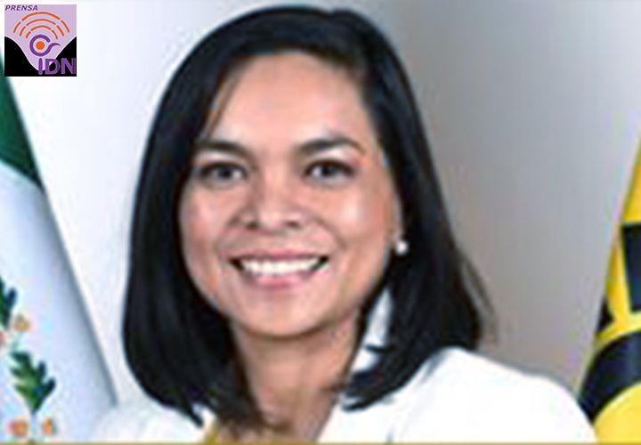 """Con el gasolinazo de este lunes, Gobierno Federal afecta la economía de las familias mexicanas: PRD Beatriz Mojica. Además señaló que el incremento de la gasolina es un acto irresponsable y refleja una ineficiente política económica de deuda del actual gobierno. """"Estamos hablando del mayor crecimiento en los últimos 18 años, el cual tendrá efectos directos e indirectos y afectación en los precios de los servicios""""."""