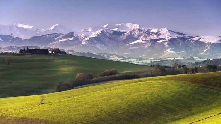 Снежные горы долины, размер: 1366x768 пикселей