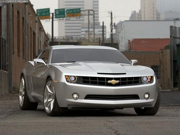 There's nothing sexier than a silver Camaro in the rain.... I noticed one beside me yesterday in traffic and couldn't stop staring.