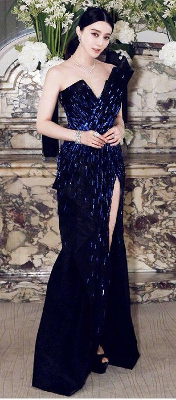 Fan Bingbing in Zuhair Murad Couture attends the De Beers party in Paris. #bestdressed