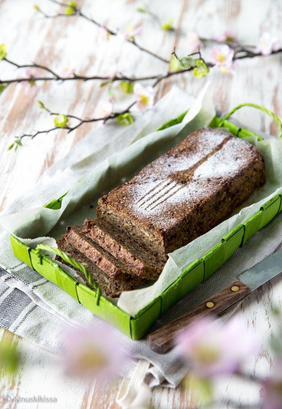 Superleivän resepti syntyi rukiisen siemenleivän ja sadonkorjuusämpylöiden yhdistelmänä. Halusin viedä siemenleivän ajatusta vielä pidemmälle ja ottaa taikinaan mukaan myös kasviksia.