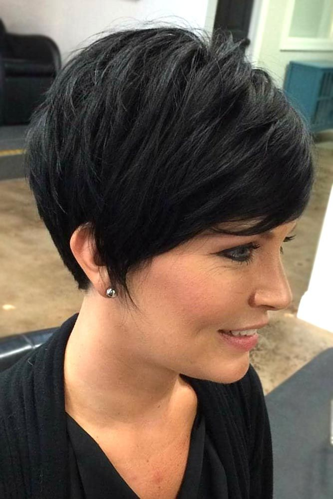 Haircuts For Round Faces Will Teach You How to Love Yourself