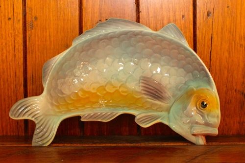 Shorter and Son curved fish dish