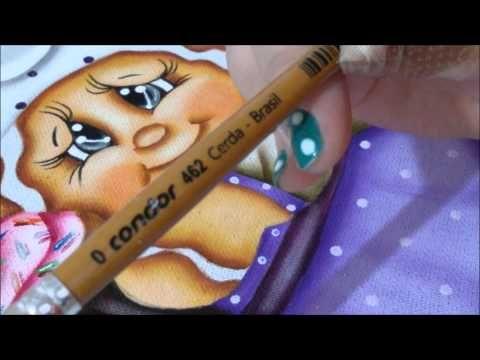 Neste vídeo eu ensino como pinto os olhos dos meus bichinhos...espero que gostem..