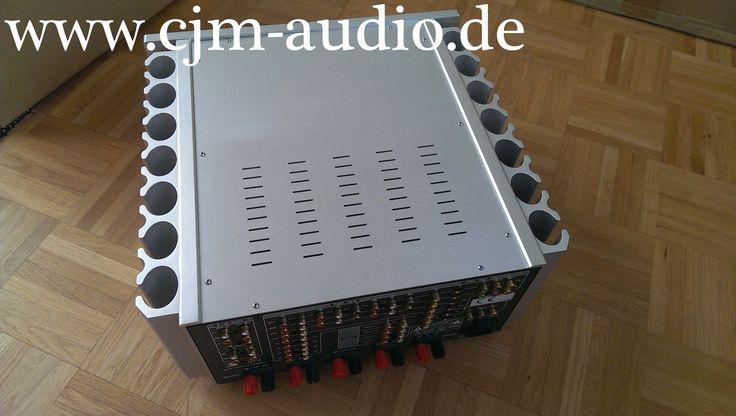 Korsun / Dussun D9 5 Kanal Verstärker   Ein IC in der Vorstufen-Sektion ist defekt, daher ist der Korsun nur als 5 Kanal Endstufe einsatzbereit!   Rein analog arbeitender 5 Kanal Verstärker der auch im reinen Stereomodus hervorragend klingt! Der D9 ist auftrennbar und kann daher auch als reine, sehr potente 5 Kanal Endstufe genutzt werden.   Der Korsun befindet sich in sehr gepflegtem Zustand.  Korsun - cjm-audio High End Audiomarkt für Gebrauchtgeräte