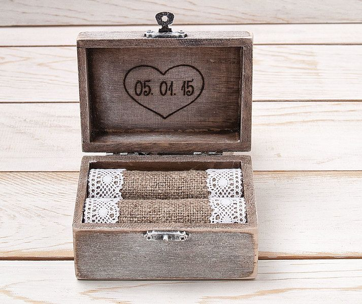 Hochzeits Ring - Box ,Ringkissen, Ring - Box von InesesWeddingGallery auf DaWanda.com