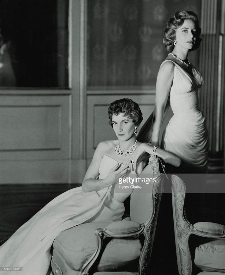 EVGENIA GL Sisters Mme. Stavros Niarchos, in Dior dress, and...