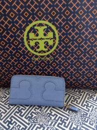 Available @ TrendTrunk.com Tory Burch soft leather continental wallet Accessories. By Tory Burch soft leather continental wallet. Only $176.00!