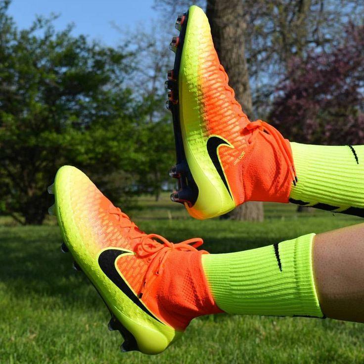 Spark Brilliance Magista Obra☀❤ :@ae_football_ @nike @nikefootball…