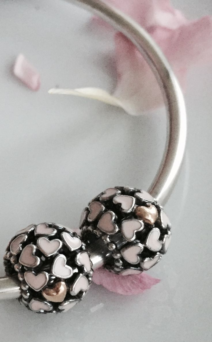 Light soft pink hearts #PANDORAcharm... Love love love this :) xxxx