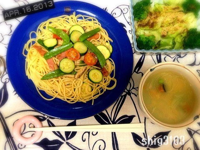 •ズッキーニ、トマト、ウィンナー、絹さやのパスタ •枝豆と玉ねぎと南瓜のスープ - 20件のもぐもぐ - ズッキーニのパスタ by shig3103