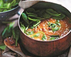 Borlotti bean, tomato and spinach soup [vegan]