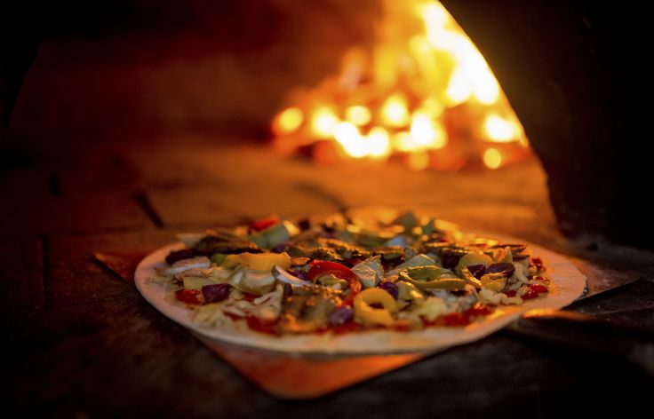 This St. Louis event, Pizza Festival on The Hill, is slated for Sunday, October 8 from noon to 5 p.m.  ST. LOUIS, MO/October 01, 2017 (STLRestaurant.News) - Dogtown Pizza, a local frozen pizza company, will be participating in the city's first-ever p...