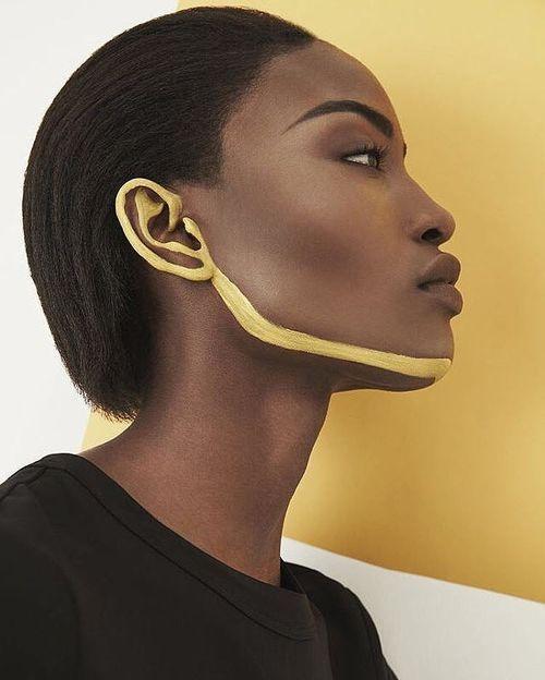 Kurze Frisuren und Haarschnitte für schwarze Frauen