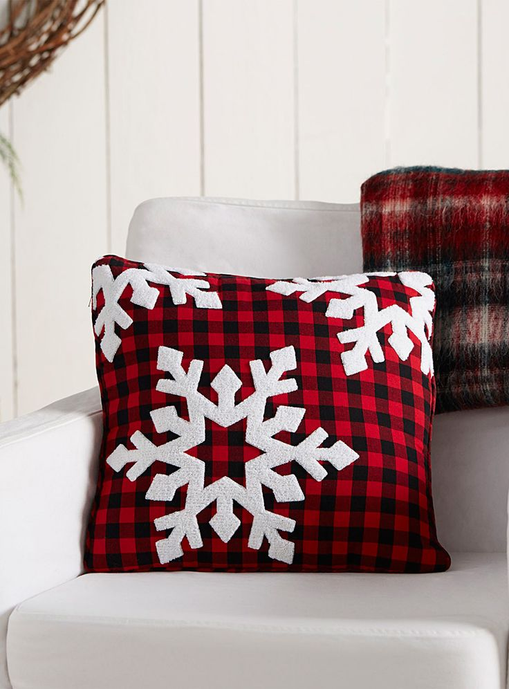 "Snowy check cushion 16"" x 16"" 