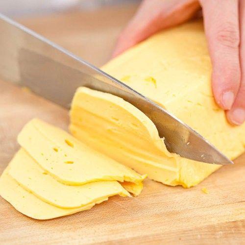 Nagyon finom, házilag készült hamis Trappista sajt