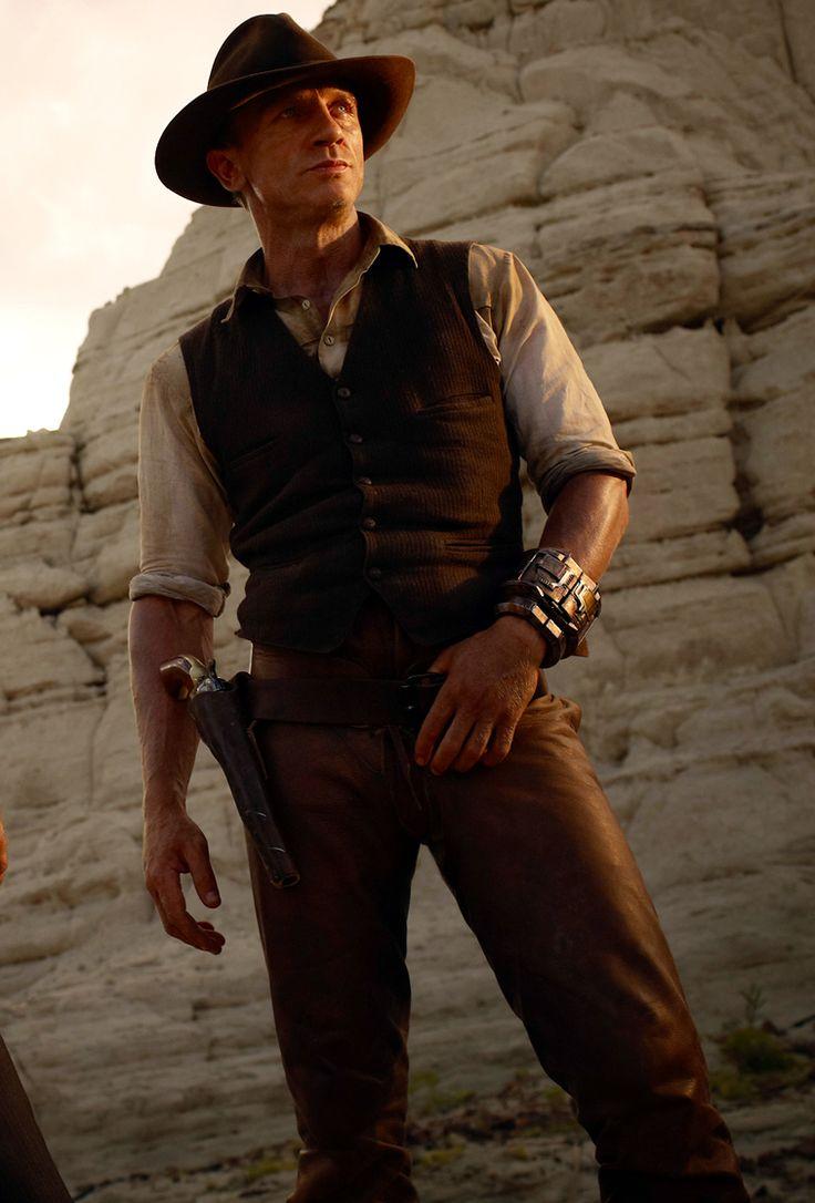 daniel-craig-cowboys-aliens  Loved this movie!  Daniel Craig - Hottie Hottie Boomba Lottie!  YUM!