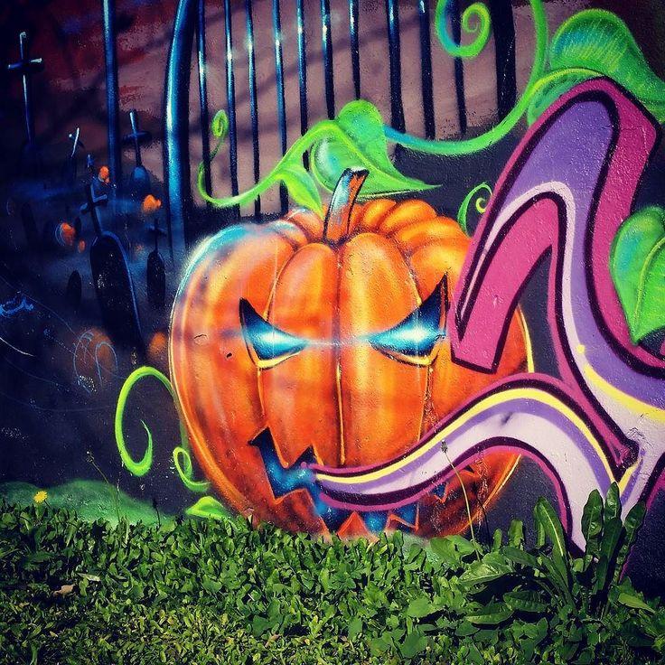 Halloween  #halloween #pumpkin #scary #graffiti #graffitiart #graffiticulture #instagraffiti #sprayart #urbanart #streetart #lisboa #lisbon #lisbonne #lissabon #lisbona #Лиссабон #里斯本 #リスボン #instalike #instalisboa #instalisbon #instatravel #instacool #instagood #welovelisbon #visitlisboa #visitlisbon #visitportugal #portugal #walkinginlisbon