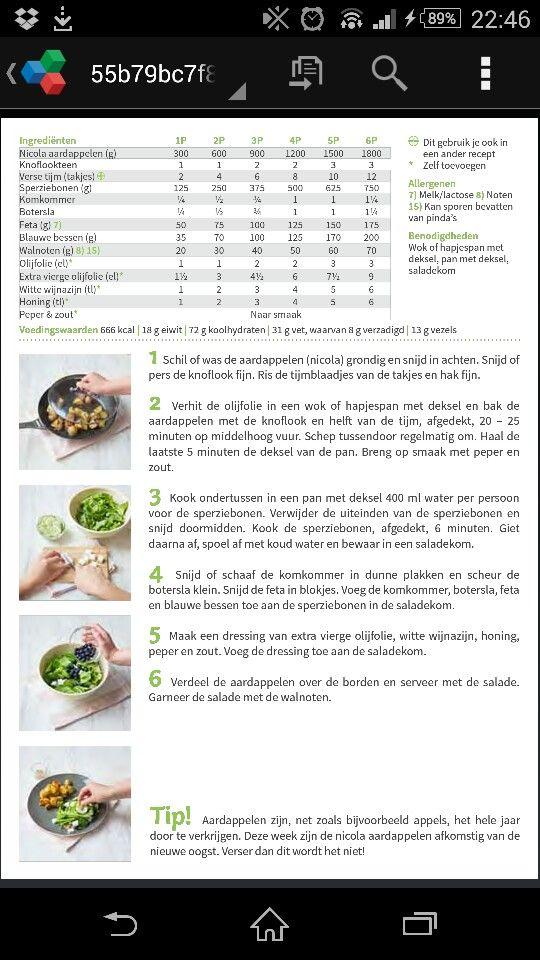 Aardappelen met tijm en salade van blauwe bessen en feta