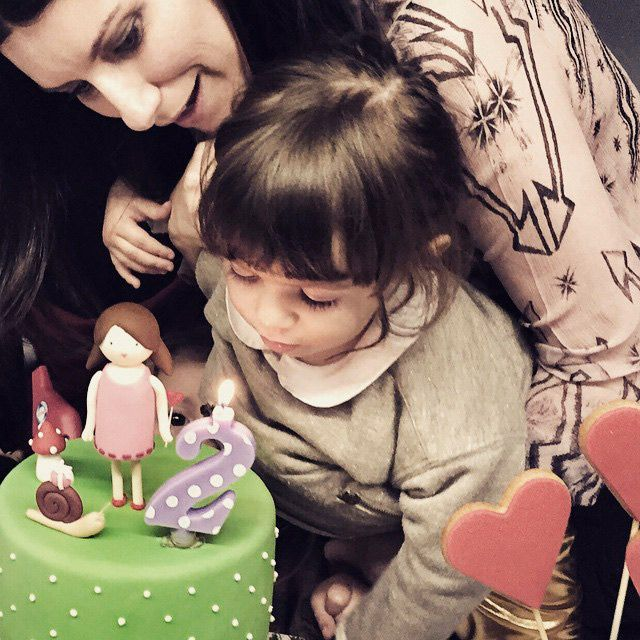 ¡'Tanti auguri', Paola! La hija de Laura Pausini cumple dos años