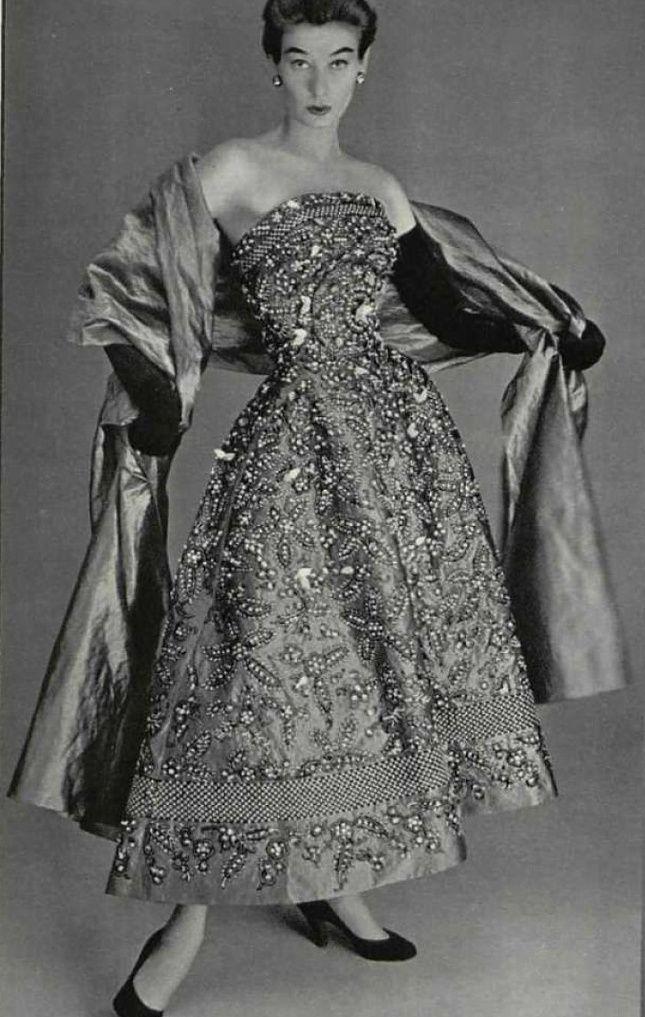3570 best images about vintage dresses on pinterest 50s. Black Bedroom Furniture Sets. Home Design Ideas