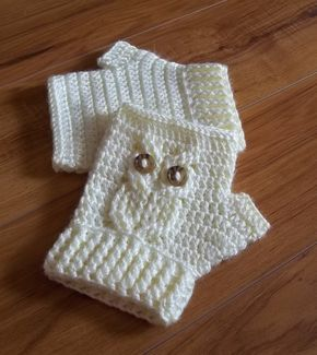 Ravelry: It's a Hoot! Owl Texting Gloves pattern by Carlinda Lewis