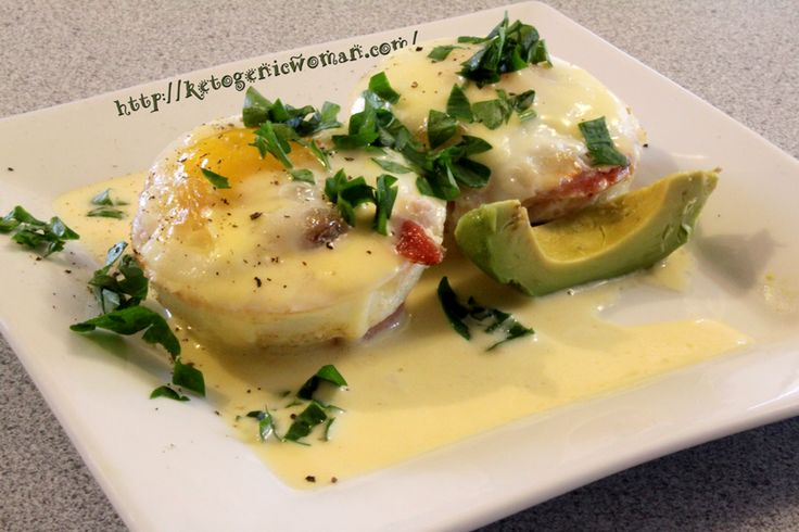 Eggs Benedict with Super Easy Hollandaise Sauce Shared on https://www.facebook.com/LowCarbZen | #LowCarb #Keto #Breakfast