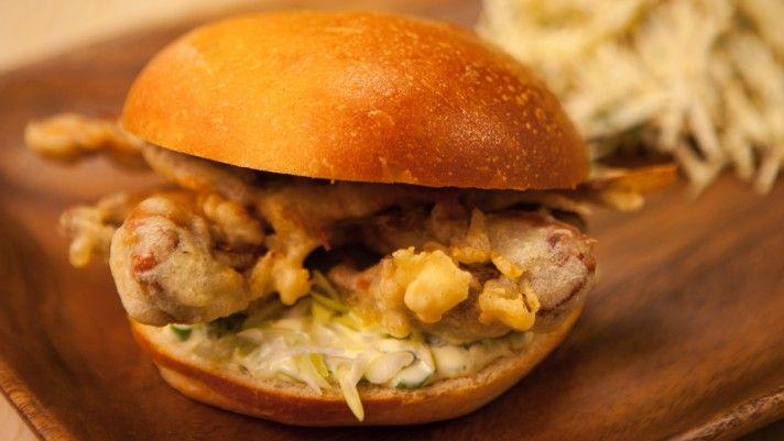 Sandwich décadent au crabe à la carapace molle de Caroline McCann