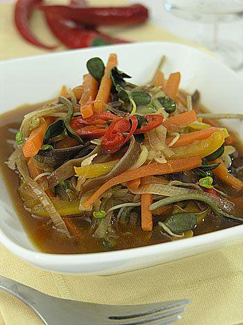Pikantne warzywa z woka na ostro, bo z chilli