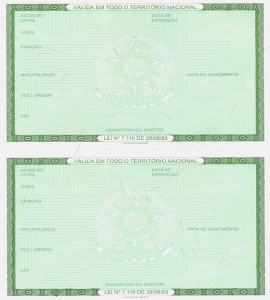 Os documentos pessoais (RG, CPF, título de eleitor, certidão de nascimento, etc.) atestam que somos cidadãos perante a lei. Você poderá esclarecer diversas dúvidas sobre cada um deles: qual a sua finalidade; como e onde solicitar a 1ª ou 2ª via; e casos específicos - por exemplo, como fazer a mudança de sobrenome no RG após o casamento.