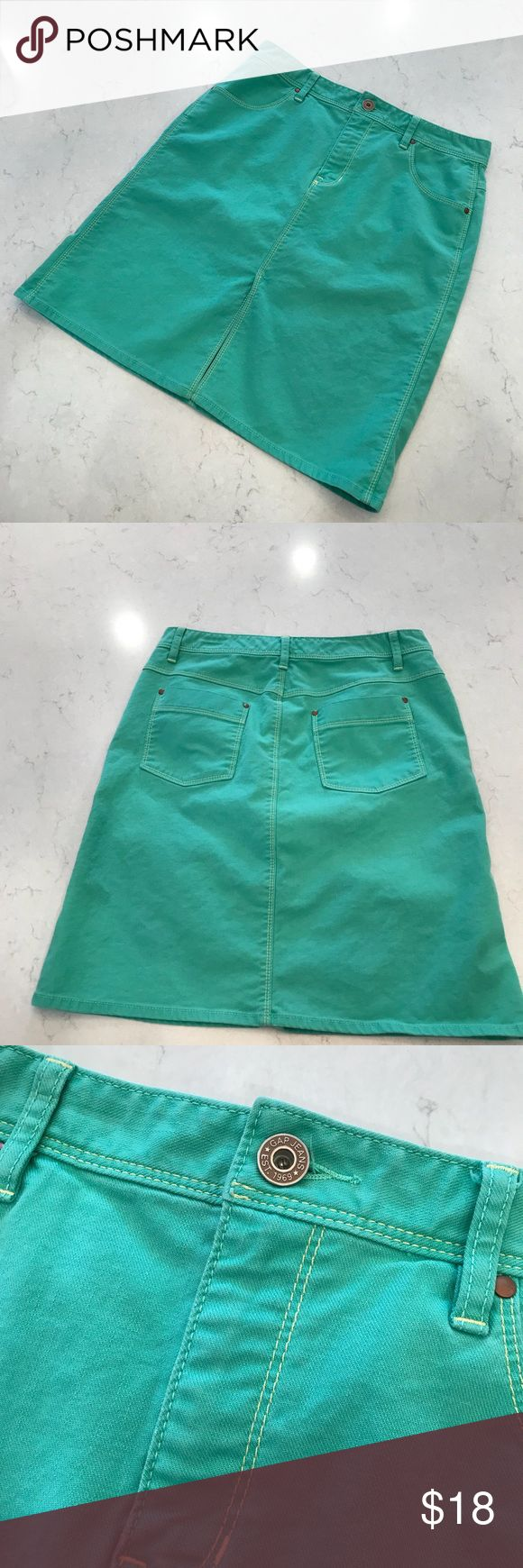 Gap Skirt Gap Skirt - Fantastic Green color!!🍀 98% cotton 2% Lycra Spandex  Great condition!  Note: last photo shows a faint mark on the fabric but it's no biggie, and otherwise flawless. Please excuse the improper mannequin (too small) fit. GAP Skirts