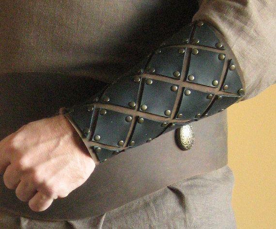 Armatura medievale vichingo celtico Bracers di MorganasCollection