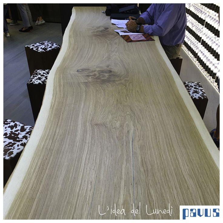 Un esempio è questo tavolo di CP Parquet: un unica grande plancia di 80 cm di larghezza per 4 metri di lunghezza!  Questo è solo un piccolo esempio di cosa è in grado di creare questa azienda grazie al CP Lab. Venite a scoprire di cosa si tratta!