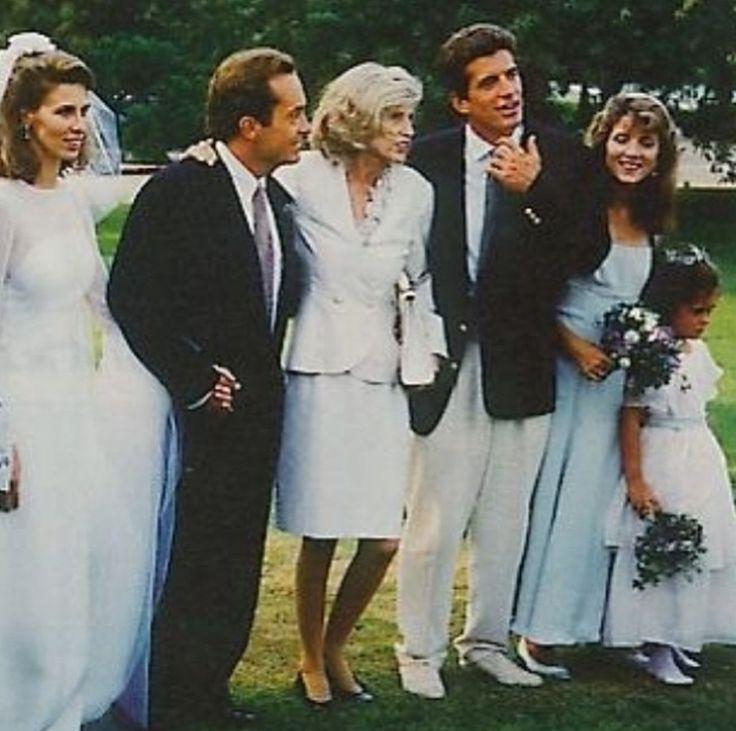 17 b sta bilderna om carole and anthony radziwill p for Tatiana schlossberg wedding dress
