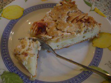 Das perfekte Apfelkuchen mit Guss nach Weight Watchers-Rezept mit einfacher Schritt-für-Schritt-Anleitung: Den Quark mit 3 EL Milch, Oel, Zucker und einer…