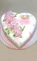 Картинки по запросу романтические торты в форме сердца