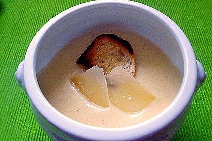 Parmesansuppe, ein raffiniertes Rezept aus der Kategorie Vegetarisch. Bewertungen: 36. Durchschnitt: Ø 4,3.