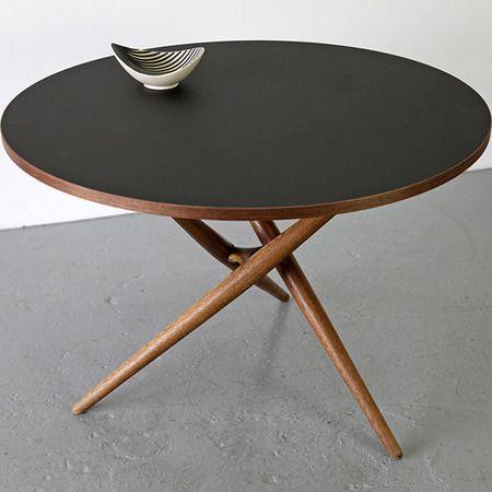 simple table, mooris.ch